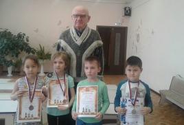 соревнования по русским шашкам